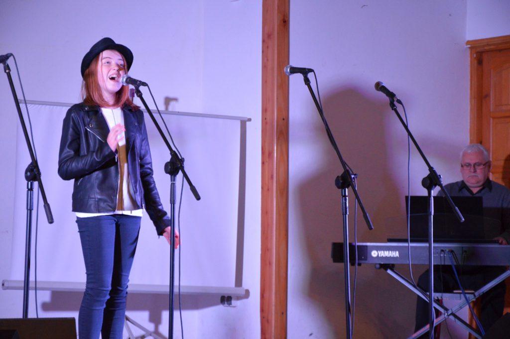 Podopieczna MDK podczas występu